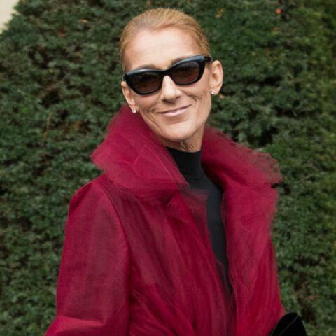 PHOTOS – Céline Dion glamour avec un manteau en tulle rouge qui détonne