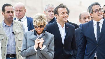 PHOTOS – Brigitte Macron collée à son homme, ces gestes d'affection qui ne trompent pas