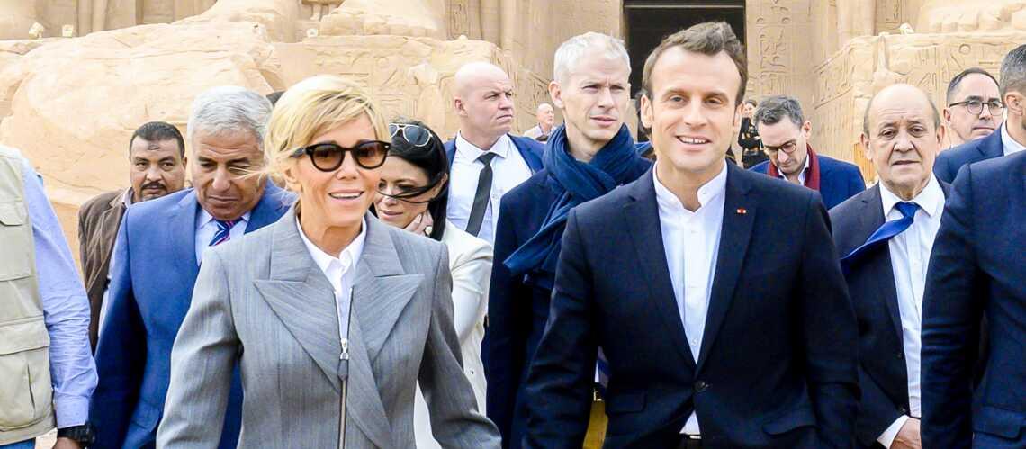 3f0c49f299b PHOTOS – Brigitte Macron fait sensation en Egypte en associant un costume  chic à une paire de baskets à 620 € ! - Gala