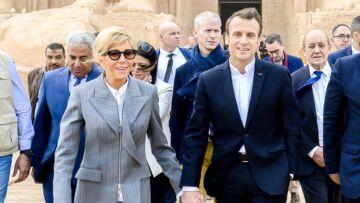 PHOTOS – Brigitte Macron fait sensation en Egypte en associant un costume chic à une paire de baskets à 620 €!
