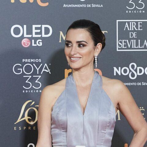 PHOTOS – Penelope Cruz, sirène ultra-glamour aux Goya, les César espagnols