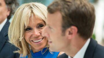 Quand Emmanuel Macron fait le joli coeur pour Brigitte