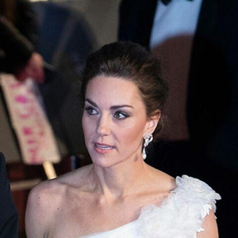 On sait ce que Kate Middleton a susurré lors de leur arrivée aux Baftas!