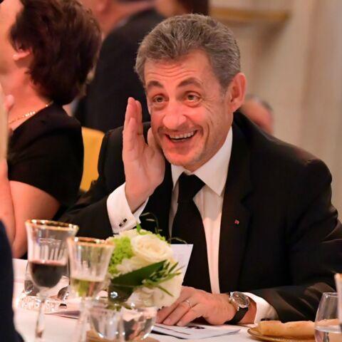 PHOTOS – Brigitte Macron hilare et complice avec Nicolas Sarkozy: la première dame et l'ancien président réunis pour la bonne cause