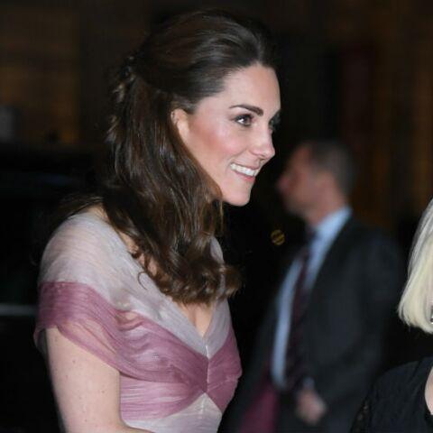 PHOTOS – Kate Middleton resplendissante dans une robe de princesse signée Gucci