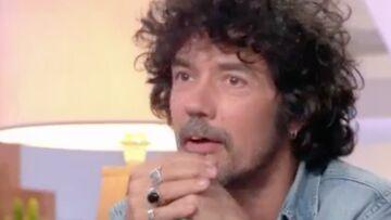 VIDEO – Yarol Poupaud botte en touche sur les nouveaux projets autour de Johnny Hallyday