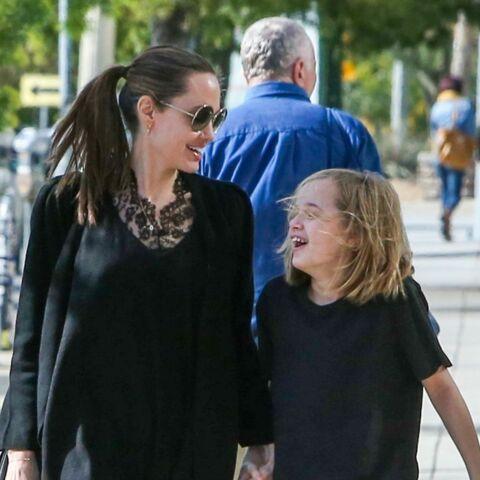 PHOTOS – Angelina Jolie retrouve le sourire au côté de sa fille Vivienne, sosie de Brad Pitt