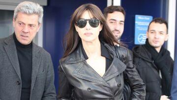 PHOTOS – Monica Bellucci, ultra-glamour dans un trench cintré en cuir