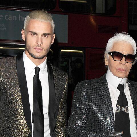 """PHOTOS – Baptiste Giabiconi, bouleversé par la mort de Karl Lagerfeld, qui lui a """"tendu la main"""""""