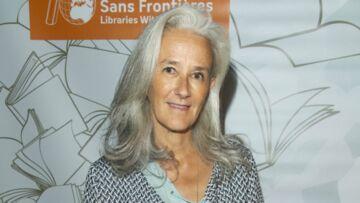 PHOTOS – Cheveux gris tendance en 2019: comment en prendre soin et les sublimer?