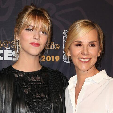 PHOTOS – Laurence Ferrari et sa fille, élégantes et complices sur le tapis rouge des César 2019