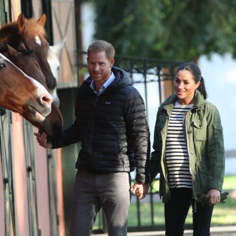 PHOTOS – Meghan Markle belle au naturel: quand la duchesse opte pour un style plus décontracté