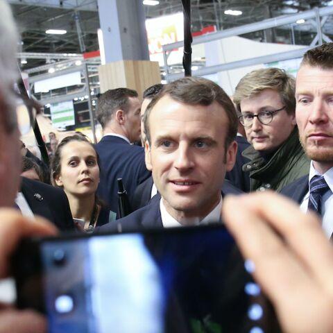 Ces images d'Emmanuel Macron à la rencontre des SDF qui divisent