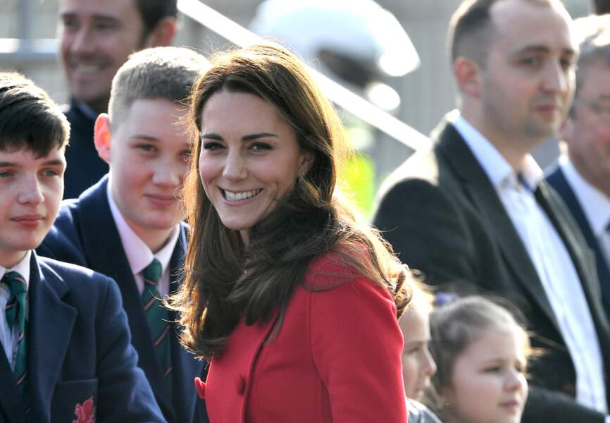 Kate Middleton rayonnante à la rencontre de la jeune génération de Belfast, le 27 février 2019.