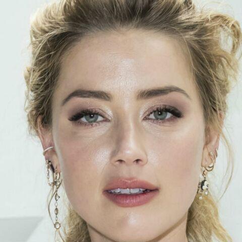 PHOTOS – Amber Heard hilare et sexy au défilé Giambattista Valli malgré le combat contre Johnny Depp