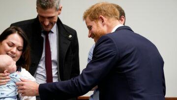 «C'est bientôt votre tour»: le prince Harry taquiné sur la naissance du royal baby