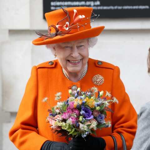 VIDÉO – A 92 ans, la reine Elizabeth II réalise une grande première!