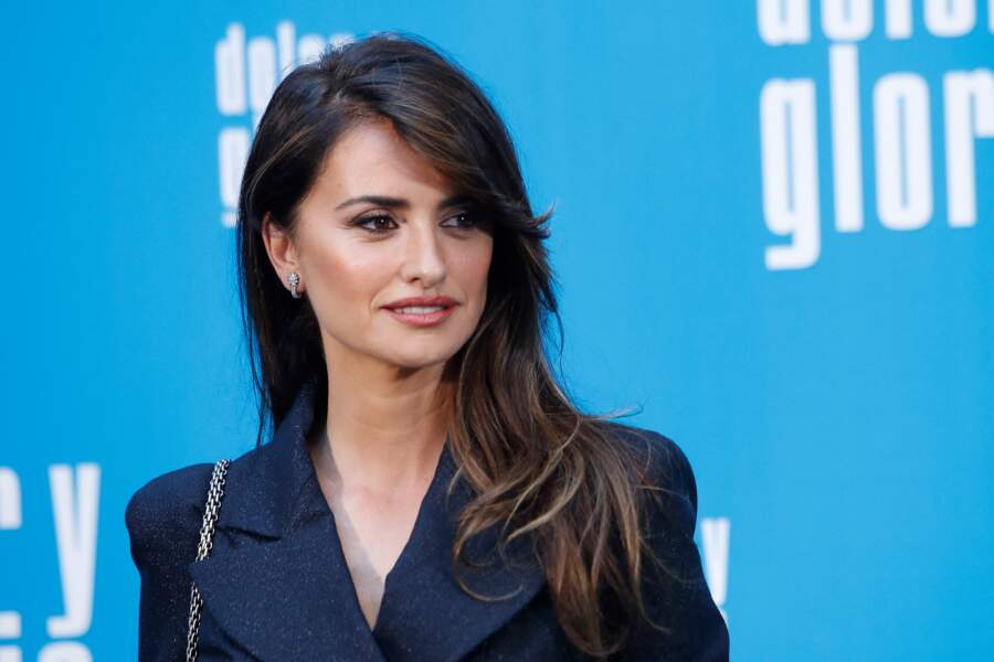 Penelope Cruz sublime avec un side-hair à Madrid le 12 mars
