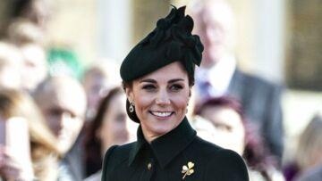 PHOTOS – Kate Middleton très élégante en manteau vert d'inspiration militaire pour la Saint-Patrick