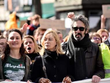 PHOTOS - Emmanuelle Béart et son mari Frédéric Chaudier, en amoureux à la marche pour le climat