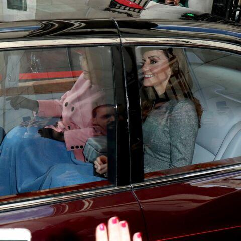 Kate Middleton en solo avec Elizabeth II: ce tendre moment de complicité qui a bien failli passer inaperçu