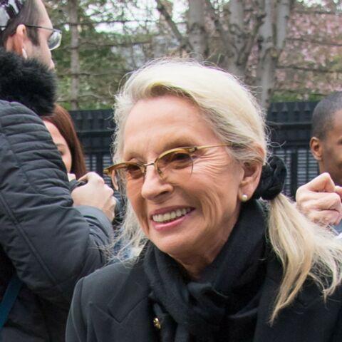 PHOTOS – Véronique Sanson, fragile mais souriante, avant son retour sur scène