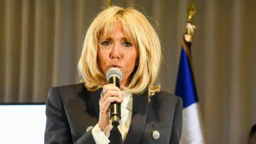 PHOTOS – La preuve supplémentaire que Brigitte Macron a pris de l'assurance, après sa justification sur les vacances de son couple au ski