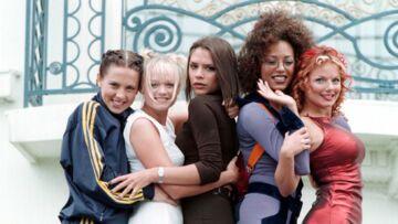 Deux Spice Girls choquent l'Angleterre avec la révélation de leur brève liaison