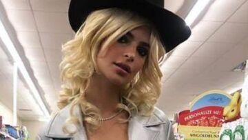 PHOTO – Emily Ratajkowski blonde, ce changement de look radical