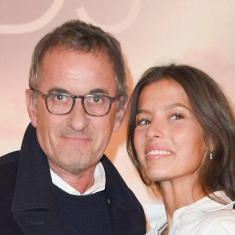 PHOTO – En tournage en Afrique du Sud, Christophe Dechavanne pose avec sa fille de 19 ans Ninon