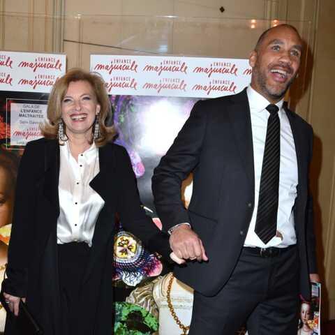PHOTOS – Valérie Trierweiler très en beauté et rieuse au bras de son chéri Romain Magellan