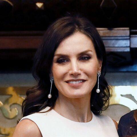 PHOTOS – Letizia d'Espagne chic en robe crème pour rencontrer l'épouse du président argentin