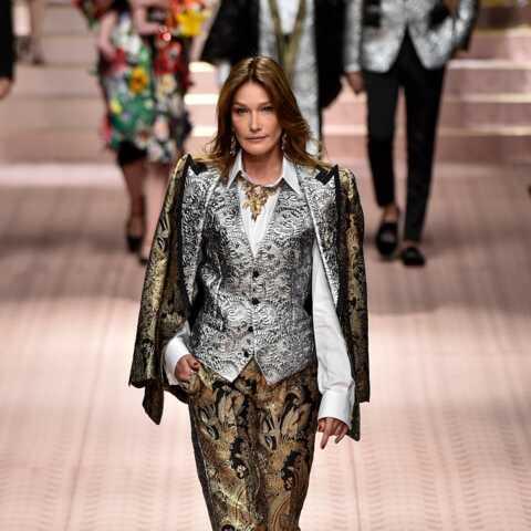 PHOTO – Carla Bruni renoue avec le monde de la mode d'une manière inattendue