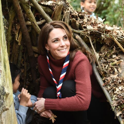 PHOTOS – Kate Middleton rayonne au naturel avec un look casual chic