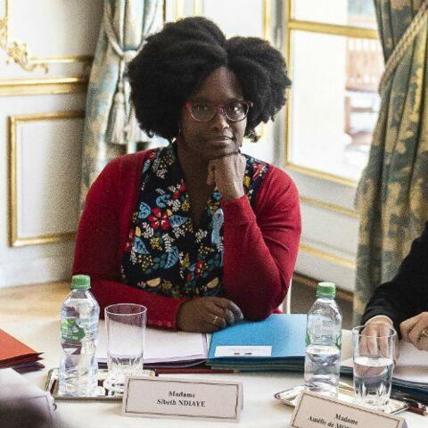 PHOTOS – Sibeth Ndiaye, nouvelle porte-parole du gouvernement, a décidé de porter fièrement ses cheveux au naturel