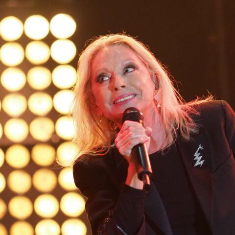 Véronique Sanson, sur scène malgré la maladie, avait peur qu'on la regarde «avec pitié»