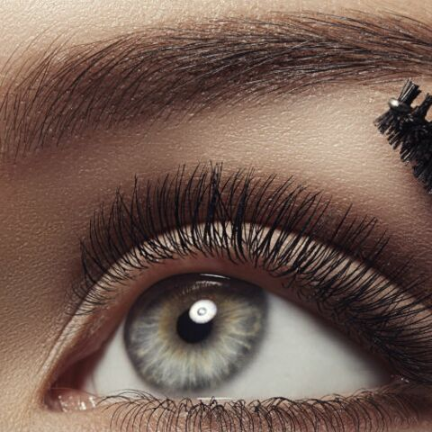 Maquillage: comment dessiner ses sourcils pour ouvrir le regard?