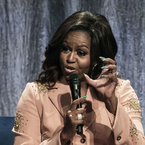PHOTOS – Michelle Obama ose une manucure… vert flashy!
