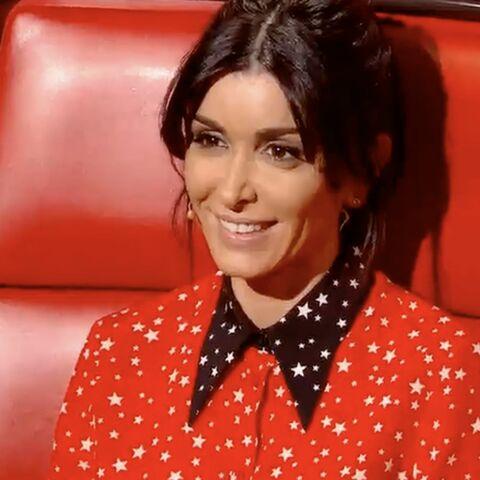 Jenifer très lookée en chemise rouge Miu Miu: découvrez le prix de sa tenue