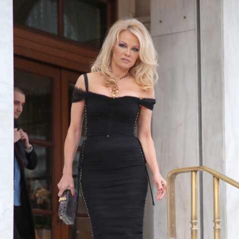 Pamela Anderson ulcérée par l'arrestation de Julian Assange