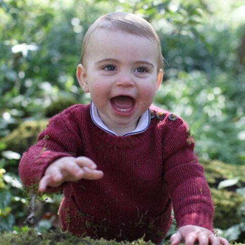 PHOTOS – Le prince Louis fête ses 1 an: découvrez sa ressemblance craquante avec son frère George
