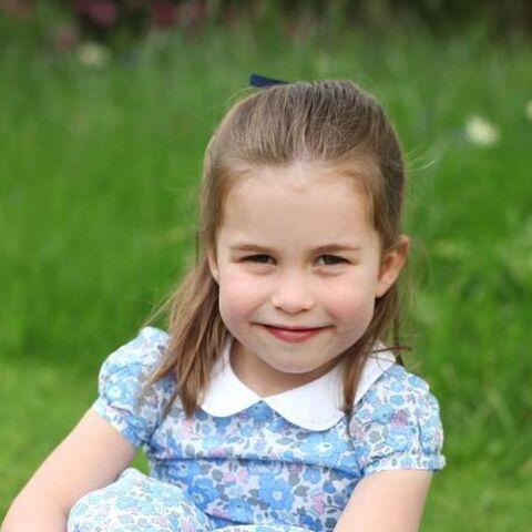 PHOTOS – Charlotte fête ses 4 ans: ce petit détail qui vous a peut-être échappé sur ses clichés