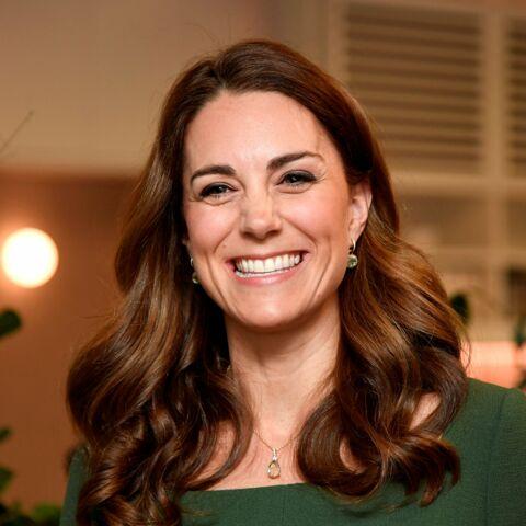 PHOTOS – Kate Middleton tout sourire en solo malgré des rumeurs de bisbille avec William