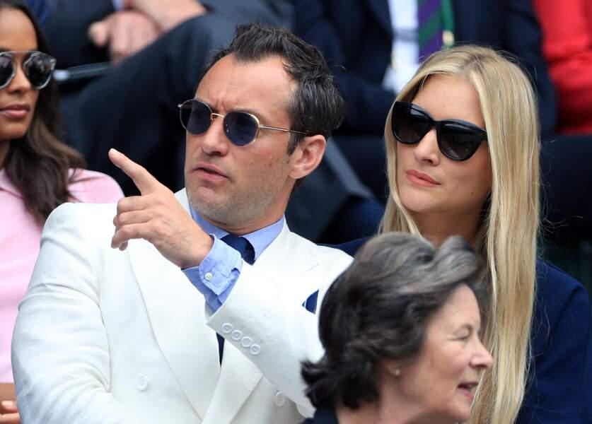 Jude Law a passé la bague au doigt de sa Phillipa Coan lors d'une cérémonie civile
