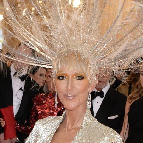 PHOTOS – Céline Dion hallucinante dans une robe scintillante qui dévoile ses jambes