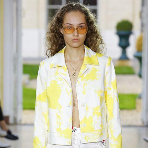 PHOTOS – Craquez pour une paire de lunettes de soleil colorées