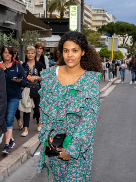 Tina Kunakey, la jeune top de 22 ans, sublime à Cannes, devrait monter les marches du festival de Cannes
