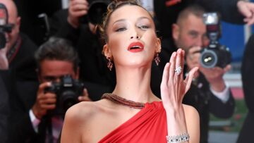 PHOTOS – Cannes 2019: Bella Hadid hypnotisante dans une robe fendue et dos-nu