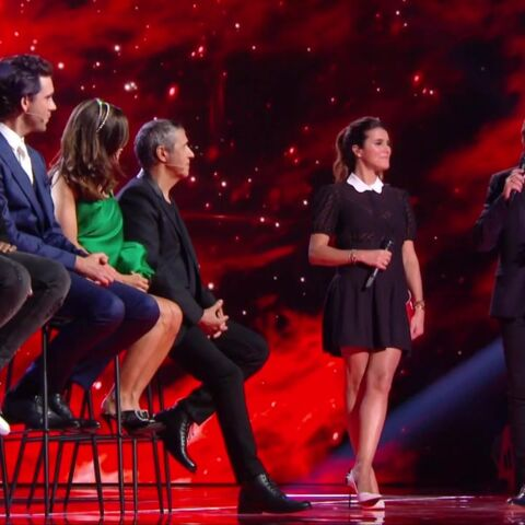 PHOTOS – Karine Ferri dévoile ses jolies jambes pour son retour dans The Voice
