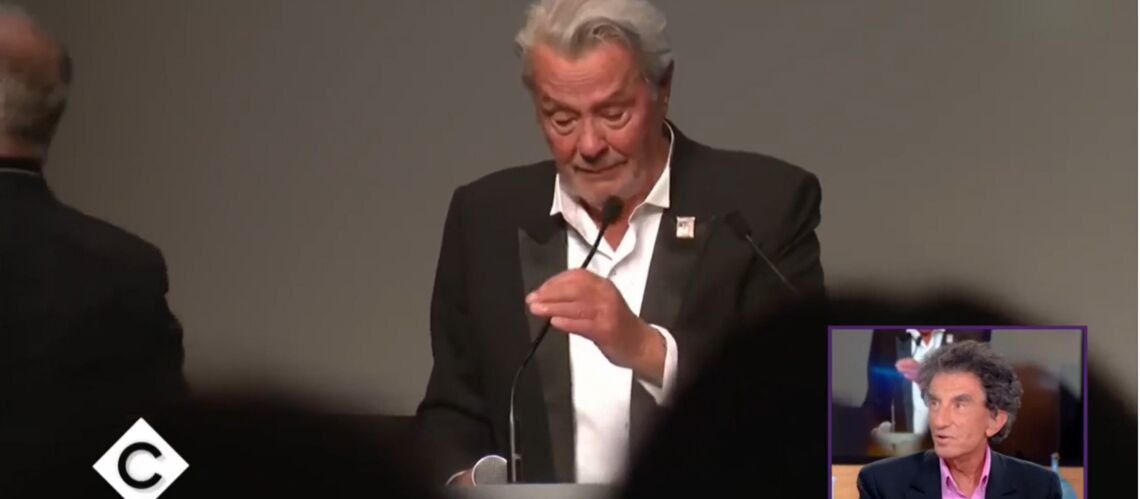 VIDEO – «Il a vécu douloureusement le mépris»: les touchantes confidences de Jack Lang sur Alain Delon - Gala